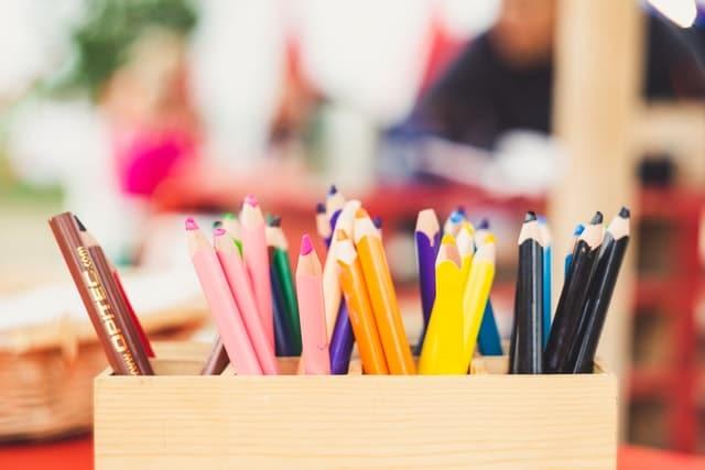 Crayons_pot