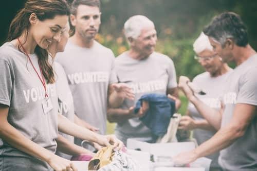 Group_people_volunteering